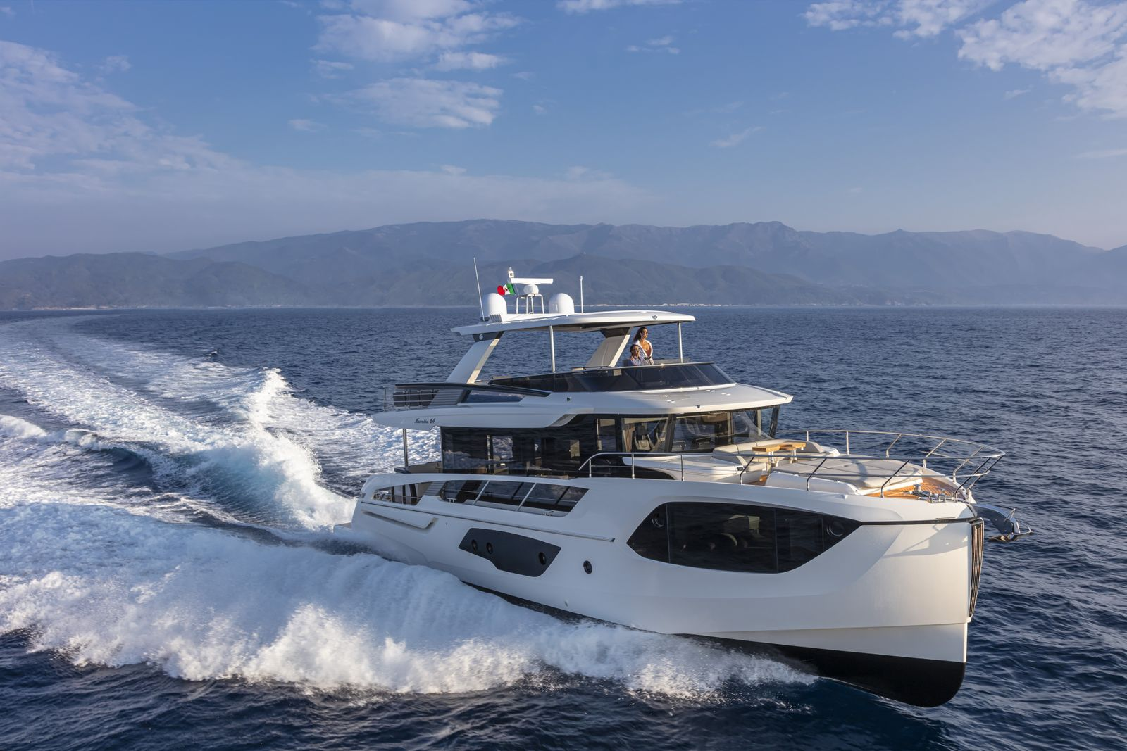 4_EPOTY Absolute Navetta 64_up to 20m