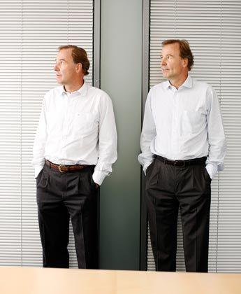 Zweite Karriere Andreas (links) und Thomas Strüngmann: Den Zwillingsbrüdern (58) gelang mit dem Aufbau des Generikaherstellers Hexal eine der großen wirtschaftlichen Erfolgsgeschichten der Bundesrepublik. Seit dem Verkauf der Firma an Novartis gehören die beiden Milliardäre zu den aktivsten privaten Investoren hierzulande. Sie arbeiten weiter im Team, jetzt an einer diversifizierten Familiengesellschaft. Andreas hat zwei, Thomas vier Kinder.