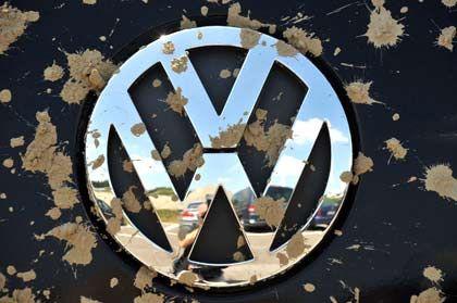 Abrutscher: VW-Aktien sind am Montag angesichts erwarteter Belastungen durch eine Porsche-Übernahme um 10 Prozent eingebrochen