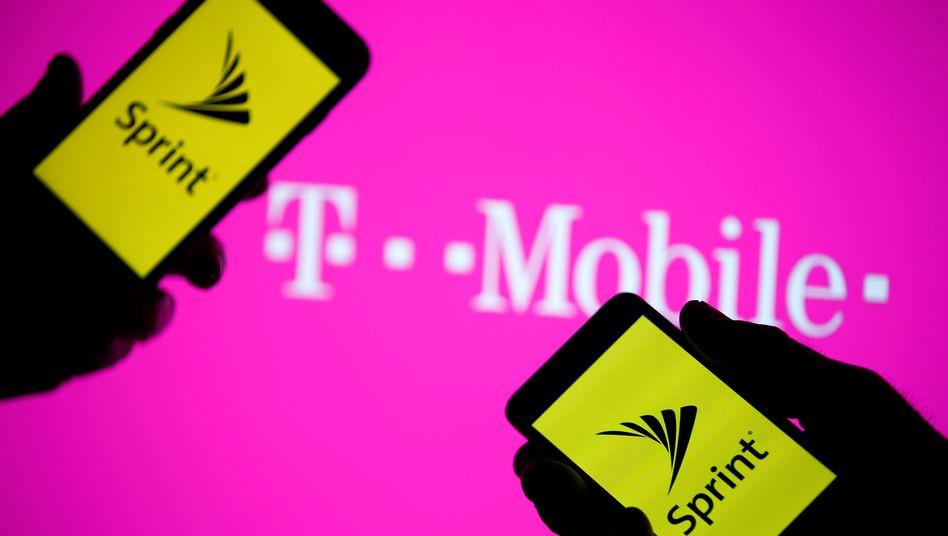 T-Mobile US will mit Sprint fusionieren: Die Nummer drei und vier auf dem US-amerikanischen Markt haben ihre Fusionspläne vor eineinhalb Jahren angekündigt und kämpfen mit zahlreichen Hürden