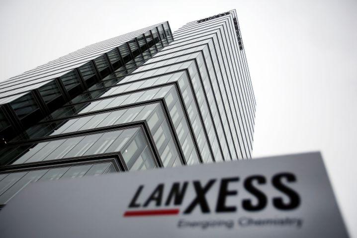 Lanxess-Aktie: Laut PEG-Definition günstig bewertet, aber eine Erholung scheint vorerst nicht in Sicht