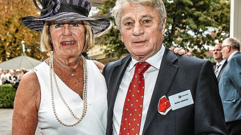 AUFGESCHRECKT Bruno Steinhoff und Gattin Birgit , inzwischen hauptsächlich Großgrundbesitzer