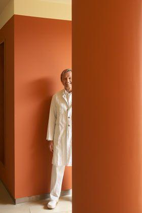 Hartwig Huland: Der Chefarzt der Martini-Klinik gehört zu den weltweit erfahrensten Spezialisten für Prostatakrebs. Das neue Privatklinikum auf dem Campus des Hamburger Universitätskrankenhauses ist schon heute das größte Zentrum in Europa für die Behandlung dieser häufigsten Krebserkrankung bei Männern.