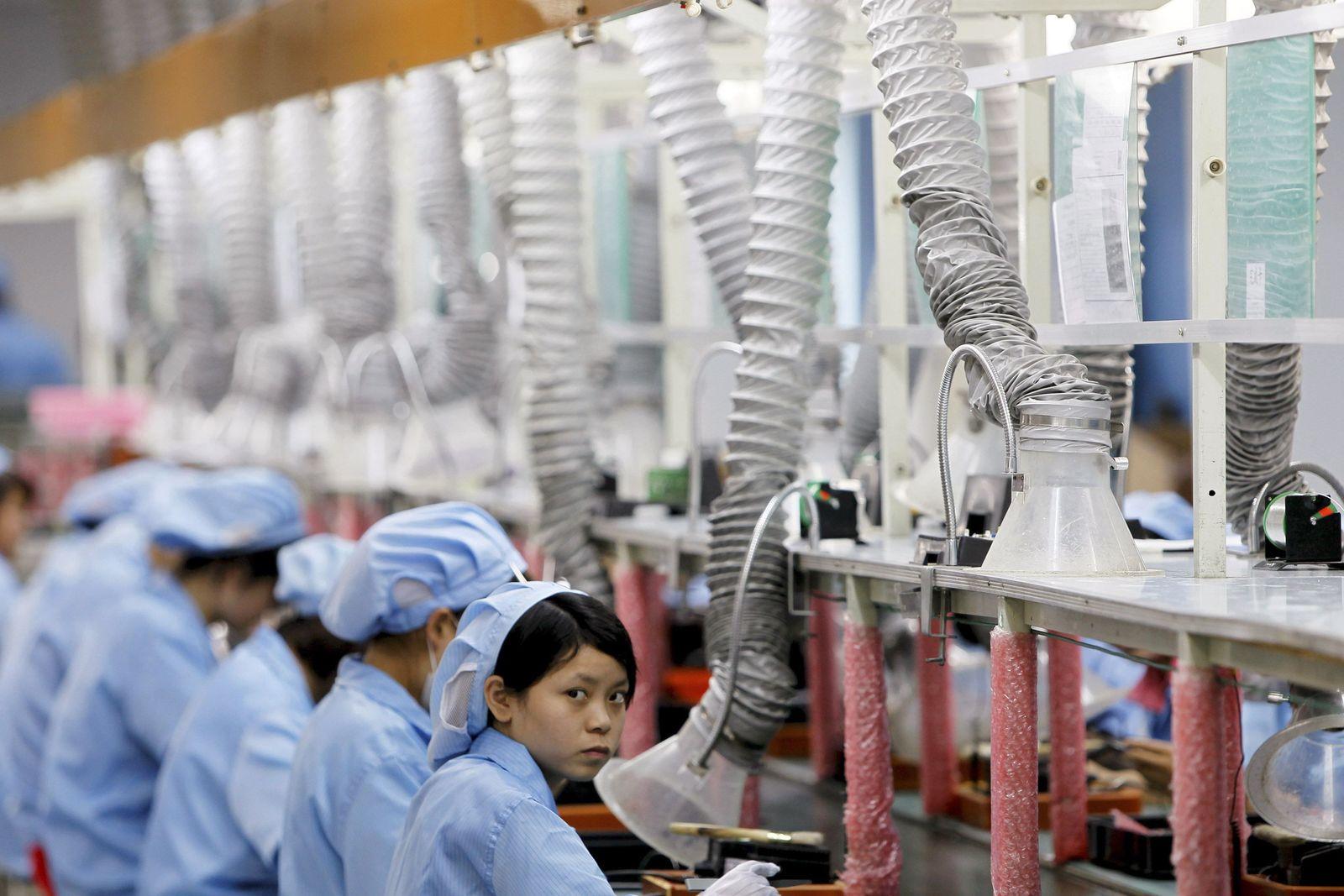 China / Fabrik / Arbeiterinnen