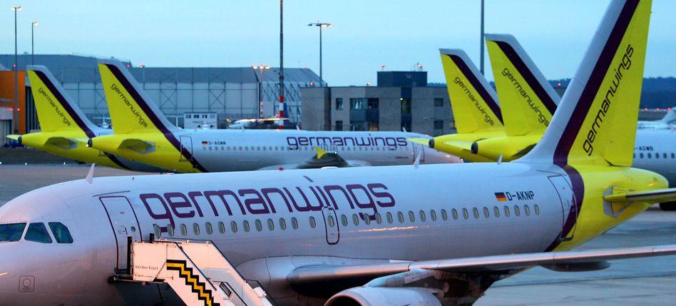 Alles oder nichts: In einer neuen Billigeinheit der Lufthansa bekommt die Konzerntochter Germanwings eine letzte Chance