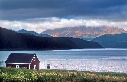 Wolken über den Tablelands und über der Bonne Bay: Der größere Teil des Gros Morne Nationalparks ist ein nördlicher Ausläufer der Appalachen