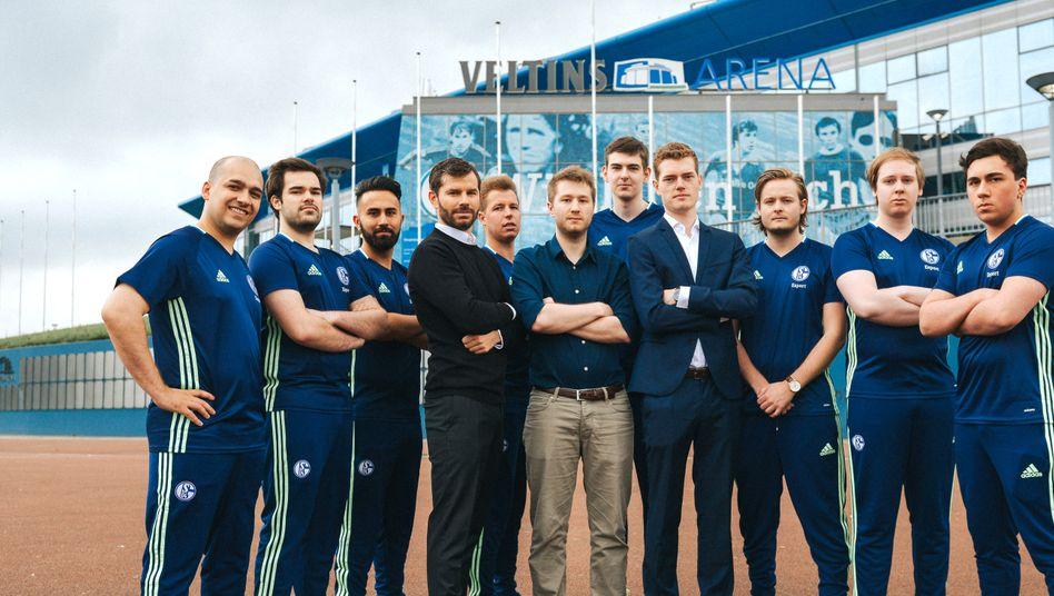 Esport Fc Schalke 04 Kauft Profis Fur League Of Legends In Der Lcs Manager Magazin