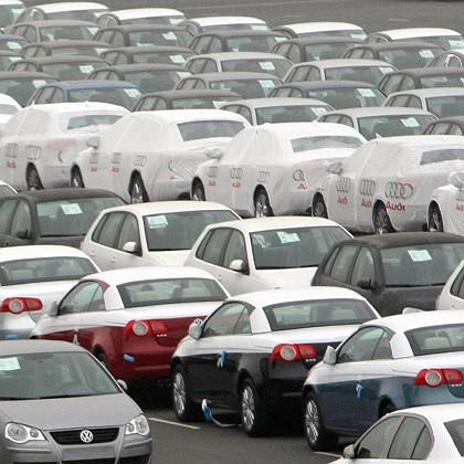 Absatz bis 2018 verdoppeln? In Bremen warten viele VW-Neuwagen auf die Verladung