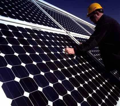 Fotovoltaik: Quadratkilometerweise die Dächer bedecken