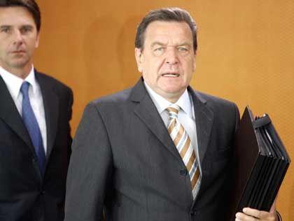 """Gerhard Schröder: """"Ich beabsichtige, eine Erklärung abzugeben"""""""