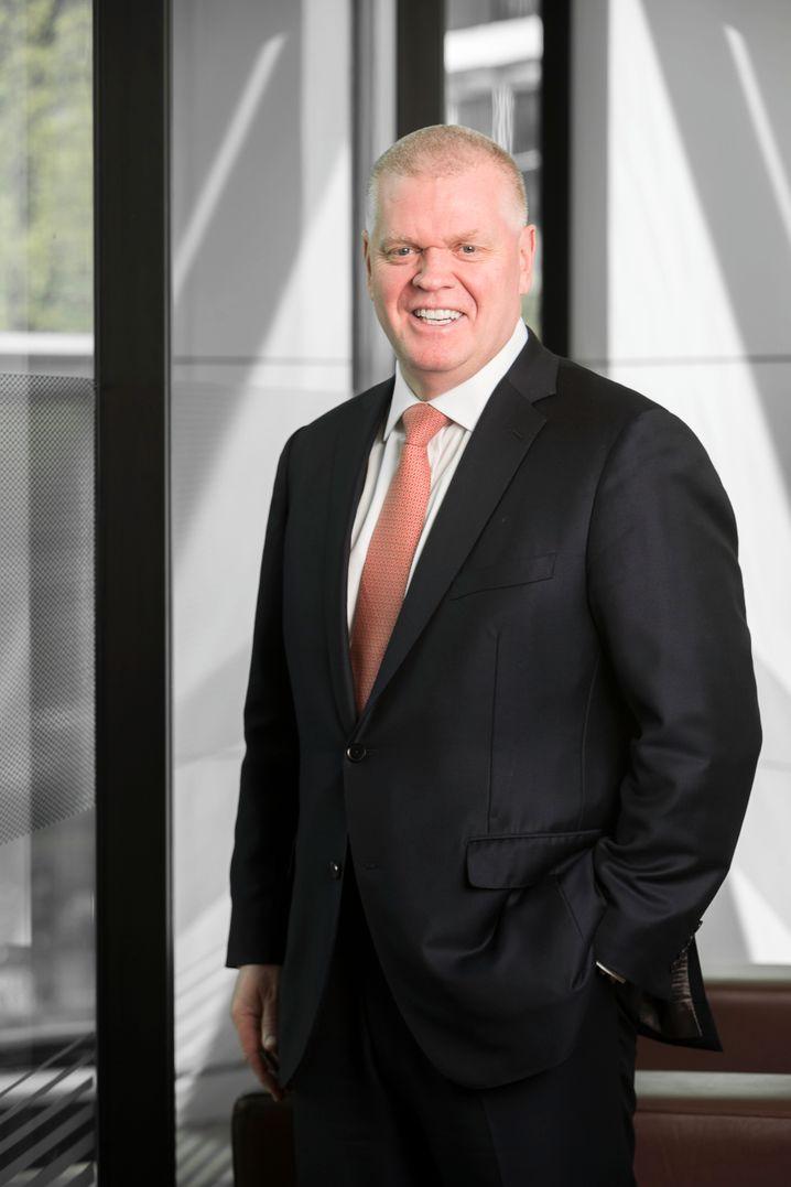 Noel Quinn: Interimschef von HSBC kündigt ein hartes neues Sparprogramm an
