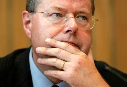 Will keine Finanzspritzen für Opel aufziehen: Der nordrhein-westfälische Ministerpräsident Peer Steinbrück (SPD)