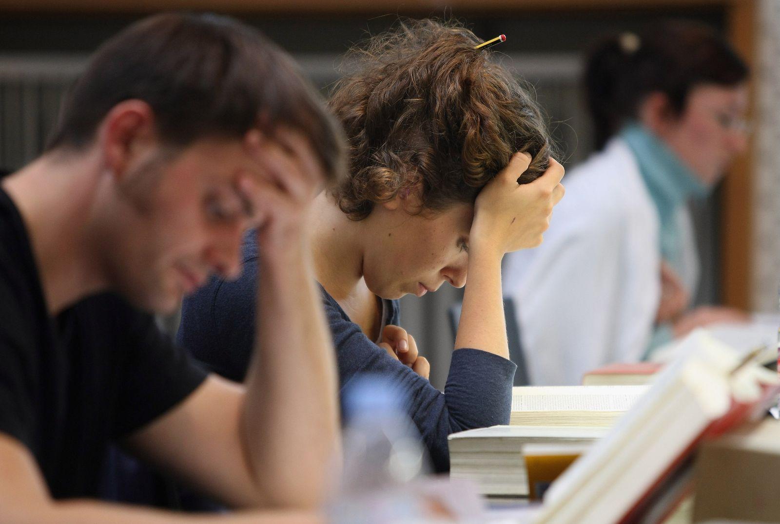 Studierende / lernen / Uni / Hochschule