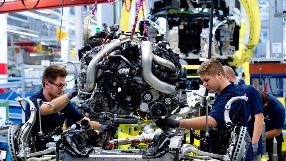"""Produktion bei Daimler: """"Ohne Ausgleich bliebe von heute sieben Arbeitsplätzen in der Motoren- und Aggregatefertigung nur einer"""""""