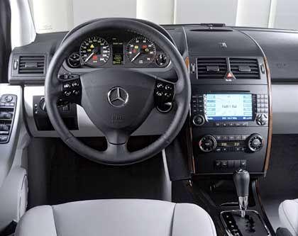 """Gute Stube: Endlich sieht es auch im kleinsten Mercedes aus, wie man es von einer """"Premium""""-Marke erwartet"""