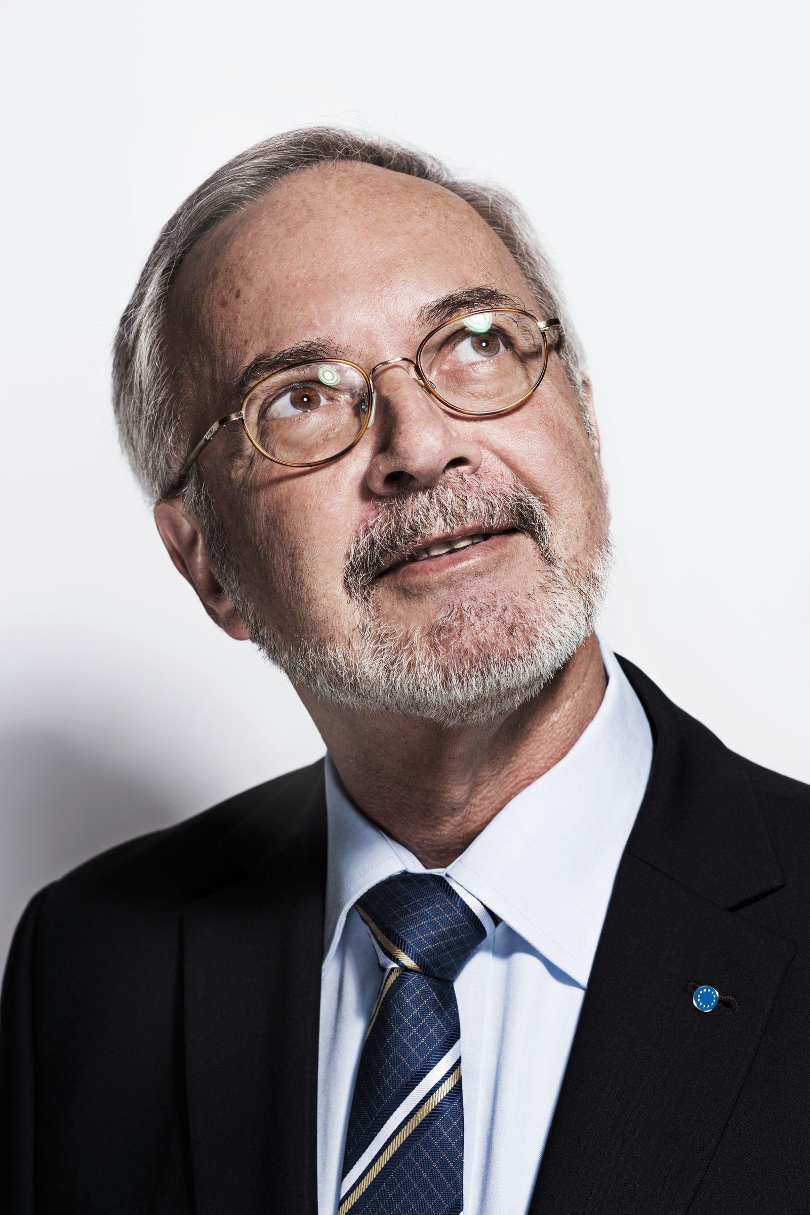 EINMALIGE VERWENDUNG Werner Hoyer
