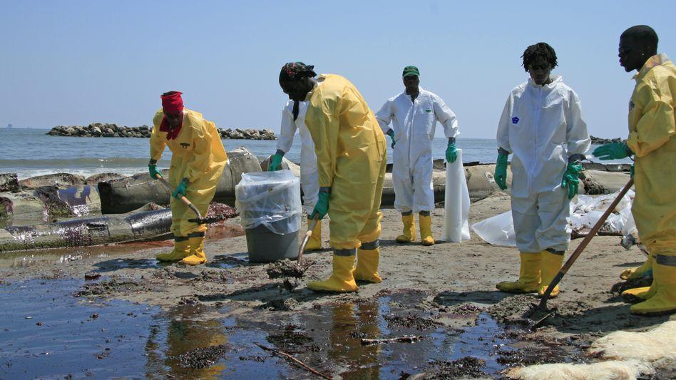 Drecksarbeit: Das Öl hat längst die US-Küste erreicht