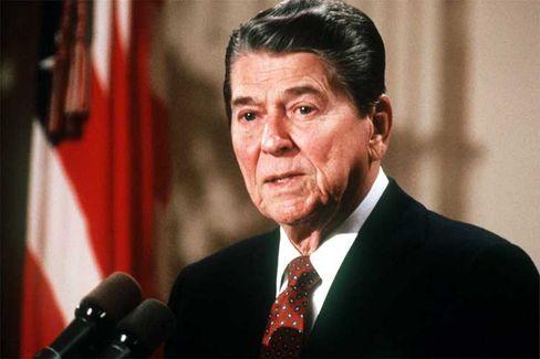Die Anfänge: Unter Reagan hatte der Staat begonnen, die Kontrolle über das Finanzwesen den Banken zu überlassen