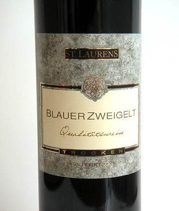 """Schlechtester Wein im Test mit 0,98 g/l Essigsäure - von Plus: 2003 """"St. Laurens"""" Blauer Zweigelt Qualitätswein trocken Niederösterreich. Gekauft am 20.12.2004 in 10961 Berlin für 1,99 Euro. Abfüller: D-RP 907098. Lot-Nummer: 4.1848"""