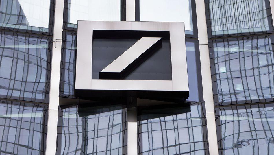 Deutsche Bank: Auch wenn in diesem Jahr weniger Stellen abgebaut werden als geplant - am Gesamtziel bis Ende 2022 ändert sich nichts