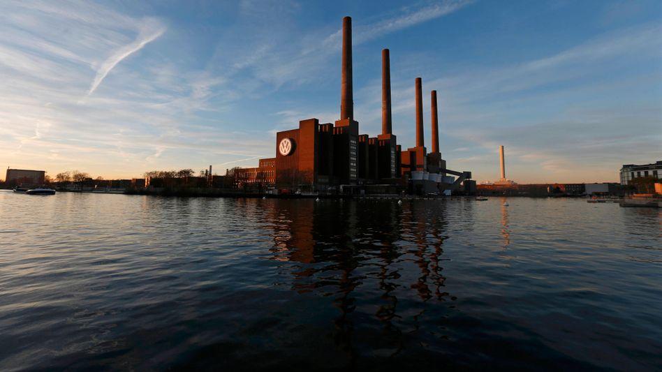 Volkswagen-Fabrik in Wolfsburg: Auch in Deutschland rollt jetzt auf den Konzern eine Klagewelle zu