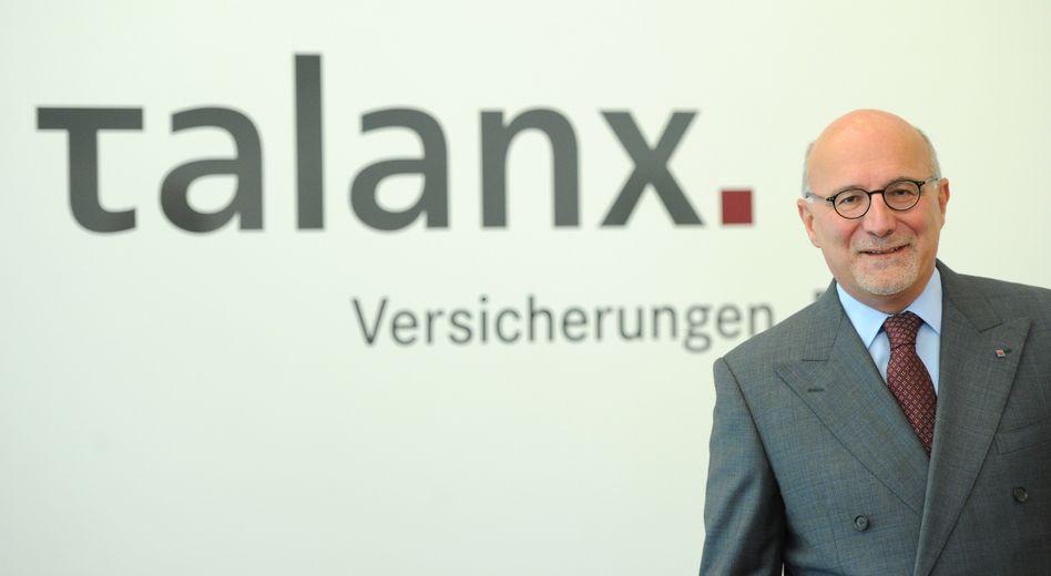 """""""Ich würde also auf Geld verzichten, das anderen gehört"""": Herbert Haas, Vorstandschef der Talanx-Versicherungsgruppe, lehnt eine Beteiligung seines Konzerns am Schuldenshcnitt für Griechenland ab"""