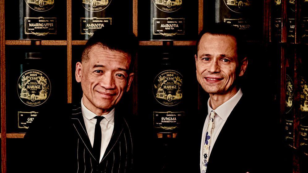 Tee-Gourmets: Mariage-Frères-Präsident Kitti Cha Sangmanee (l.) und Firmenmitbesitzer Franck Desains, Spezialisten mit Savoir-faire