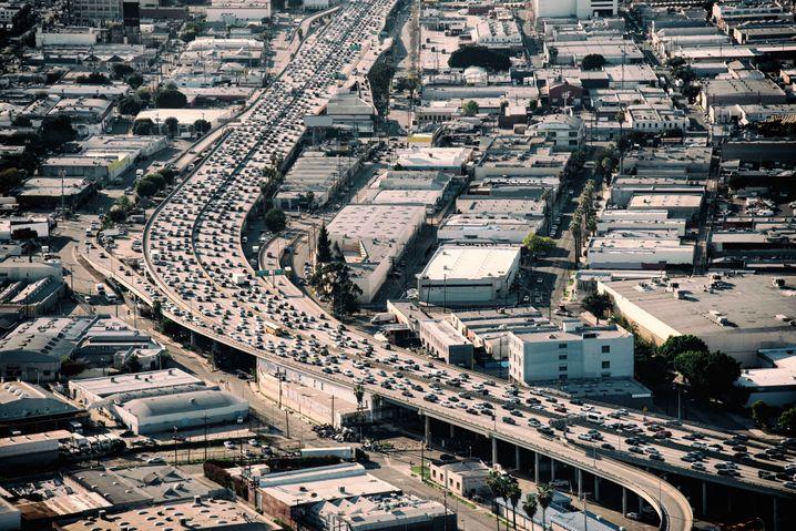 Stau, schau, wem: Die Städte (wie hier Los Angeles) wollen ihre Straßen nicht Uber überlassen.