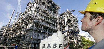Langsamere Gangart: BASF schickt wie viele deutsche Unternehmen einen Teil seiner Angestellten in Kurzarbeit