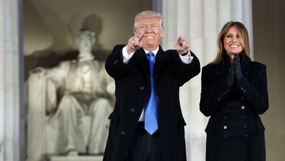 "US-Präsident Donald Trump: Bereits vor 30 Jahren war er Medienprofi, wie sein Buch ""The Art Of The Deal"" zeigt"