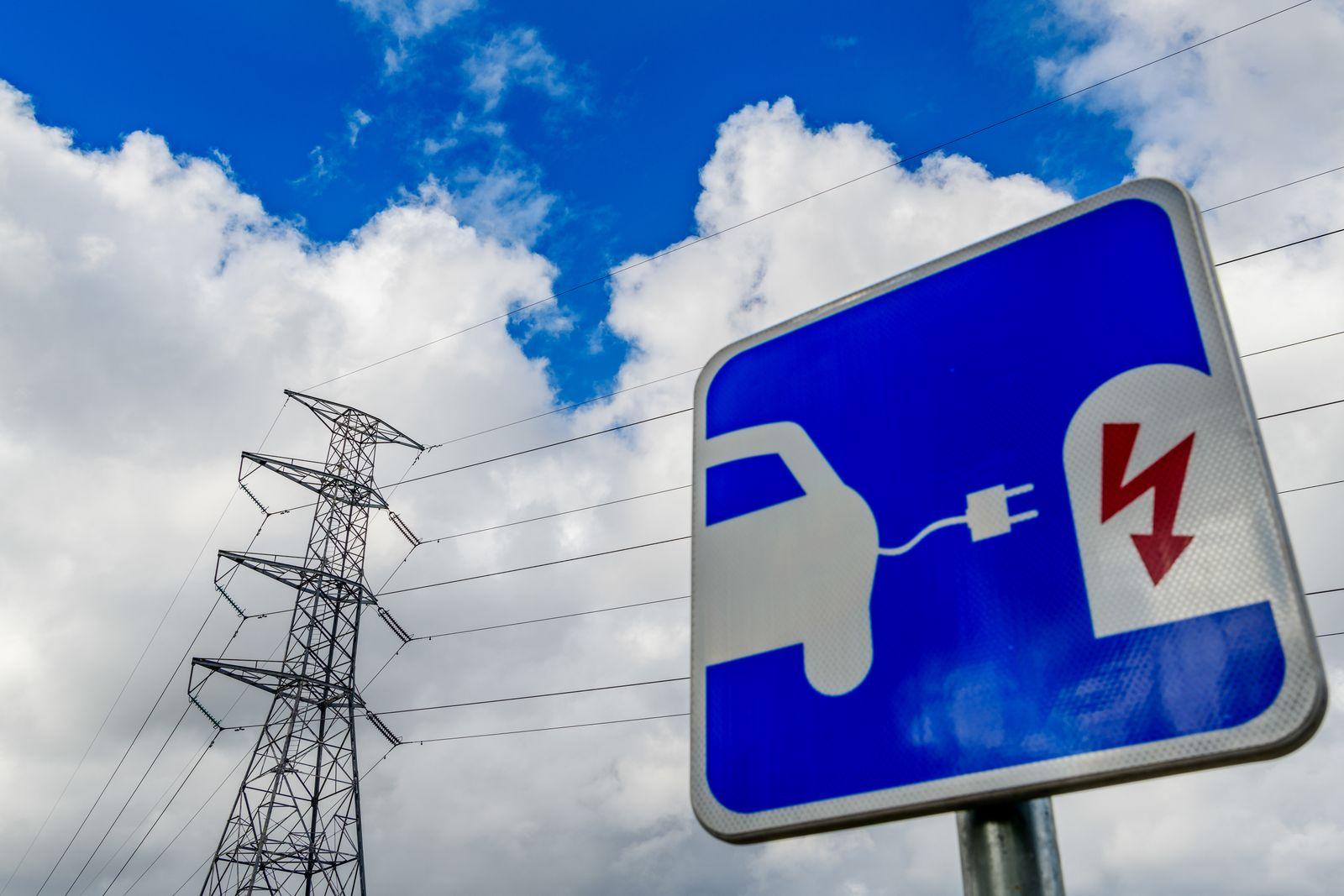 EINMALIGE VERWENDUNG Elektroauto / Strom