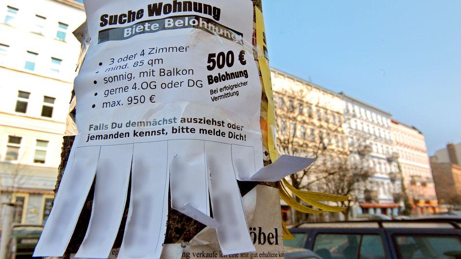 Wehe dem, der in einer Großstadt wie Berlin umziehen muss: Die sogenannten Angebotsmieten in der Metropole waren 2016 und 2017 um rund 20 Prozent geklettert