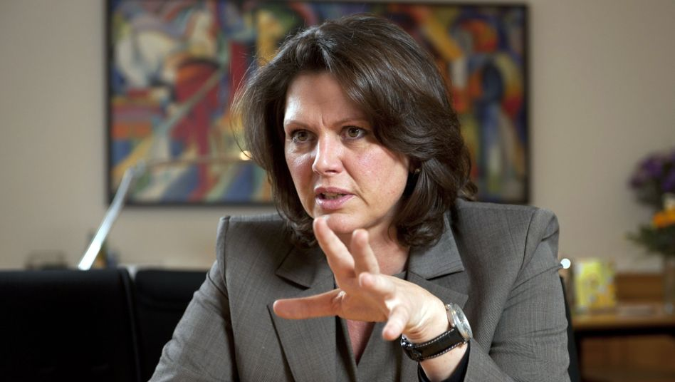Bundesministerin Ilse Aigner: Eine Untersuchung soll klären, warum die Bundesbürger immer mehr Nahrungsmittel wegwerfen