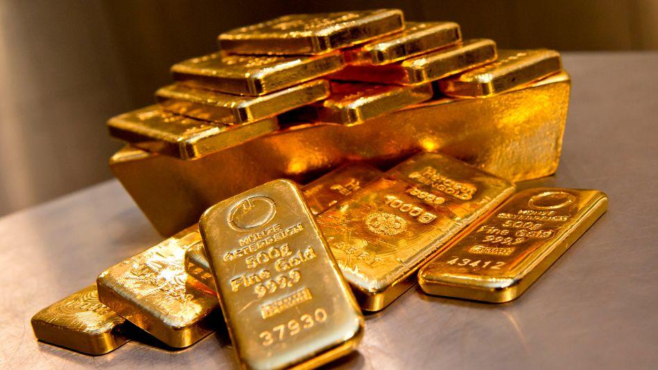 Preis fällt, Nachfrage steigt: Goldbarren verkaufen sich derzeit wieder gut - obwohl die Aussichten für den Goldpreis eher mau sind.