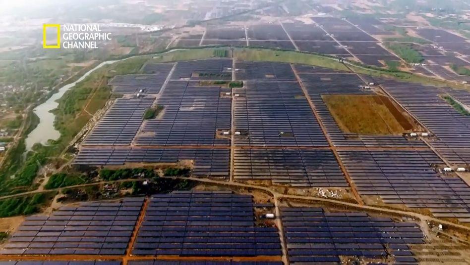 Das größte Solarkraftwerk der Welt nimmt eine Fläche von zehn Quadratkilometern ein