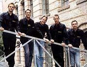 Die Yellout-Gründer: Klaas Koch, Dirk Radzinski, Karsten Stein, Patrick Setzer, Till Göhre (v.l.)