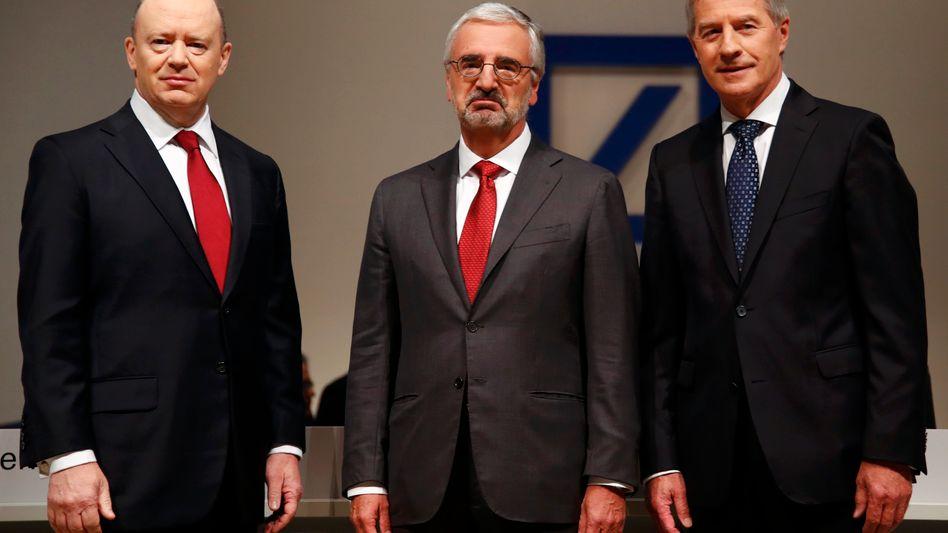 Stimmung so mittelmäßig: Deutsche-Bank-CEO John Cryan und sein Aufsichtsratschef Paul Achleitner (r.).