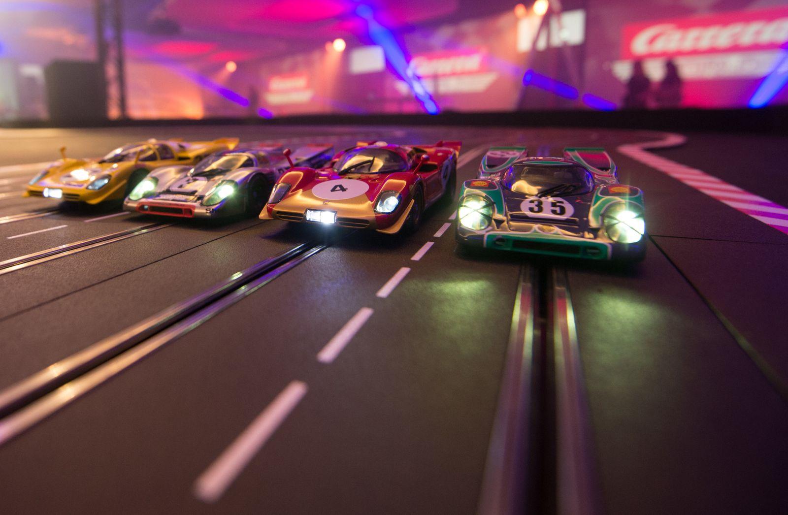 Eröffnung der ersten Carrera World