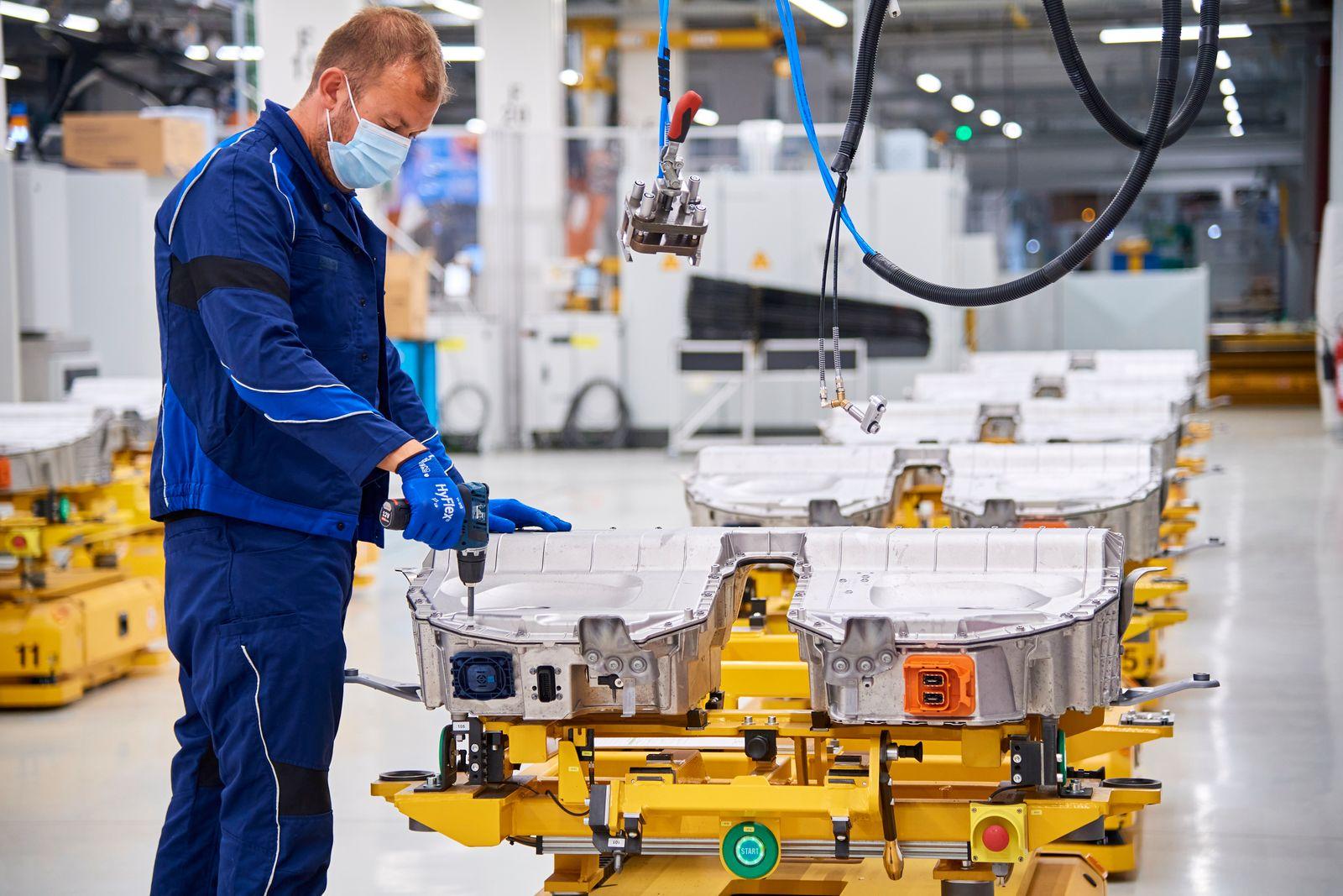 BMW / Dingolfing / Produktion von Hochvoltbatterien (06/2020)