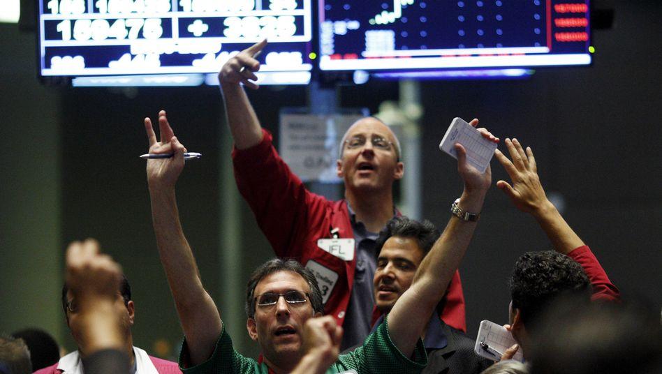 Händler an der Rohstoffbörse in Chicago: Die Rohstoffpreise stellten 2018 andere Assetklassen bislang in den Schatten.
