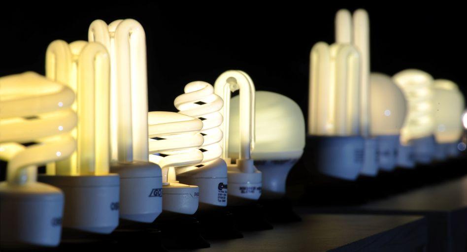 Energiesparlampen: Das Geschäft mit herkömmlichen Leuchtmitteln schrumpft stark. Beim MDax-Konzern macht es mit 3,5 Milliarden Euro Jahresumsatz aber noch rund zwei Drittel des Gesamtumsatzes aus