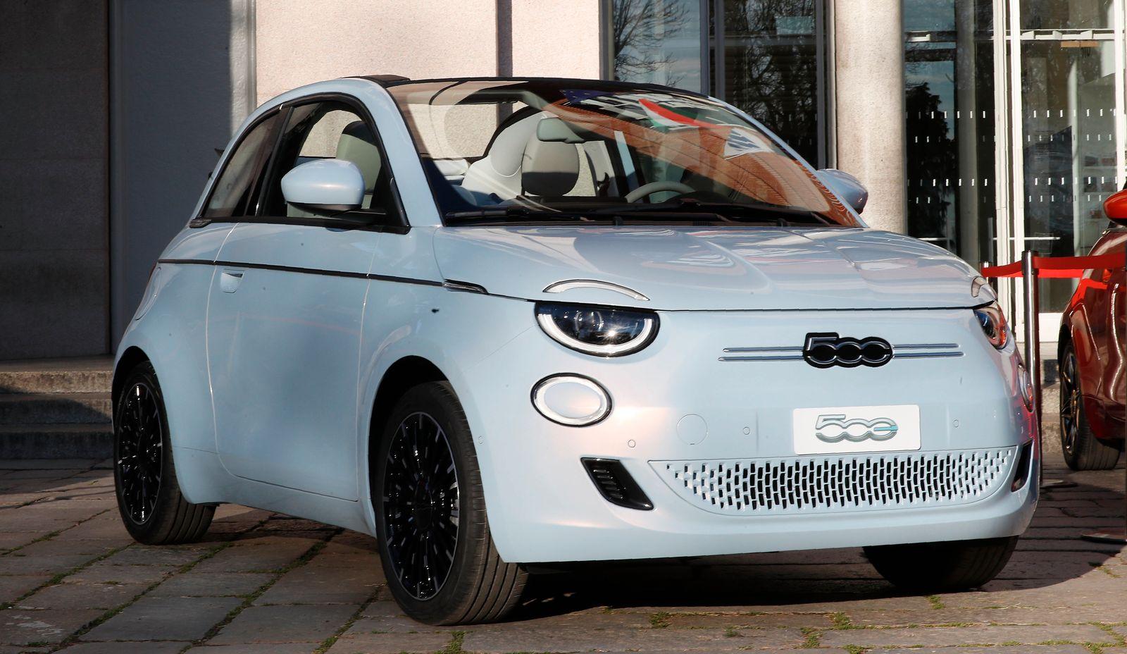 Fiat 500 3. Generation Elektroauto FCAGesamtansicht
