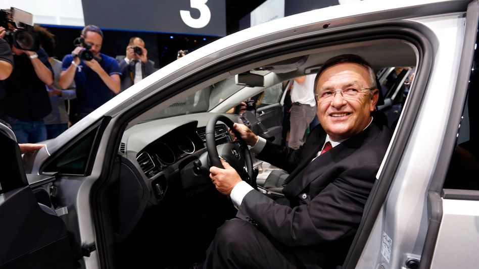 VW-Chef Martin Winterkorn bei der Präsentation des Golf VII: Die Wolfsburger hoffen auf einen neuen Verkaufsschlager