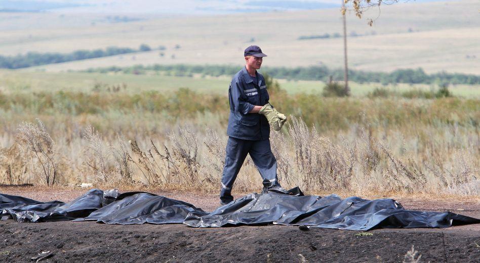 Todesopfer nach dem Abschuss von Malaysia Airlines MH17: Eine Woche nach dem Abschuss der Boeing über der Ukraine ringt sich die EU zum Handeln durch