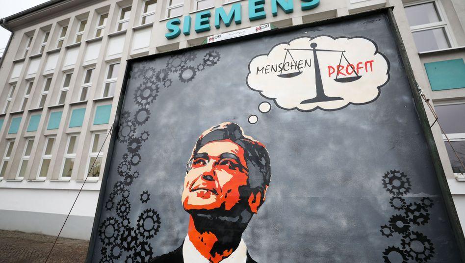 Kritik an Kaeser vor dem Siemens-Turbomaschinen-Werk in Leipzig: Doch so will sich der Siemens-Chef nicht sehen und verstanden wissen