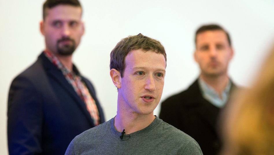 """Facebook-Chef Mark Zuckerberg: """"Sie werden mehr Geld ausgeben als Ihnen lieb ist"""""""