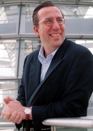 Koch und Kellner:Der ehemalige Kearney-Oberberater Ostermann (im Bild) vollstreckte willig die Integrationsstrategie von Ex-EDS-Chef Brown