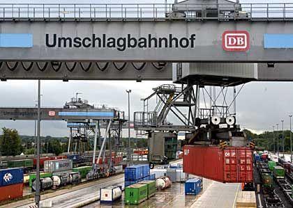 77 Prozent der Waren auf der Straße: Umschlagterminal in Hamburg