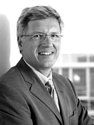 Beschwerdestellen, Hotlines und Telemarketing: Telegate-Chef Andreas Albath baut um