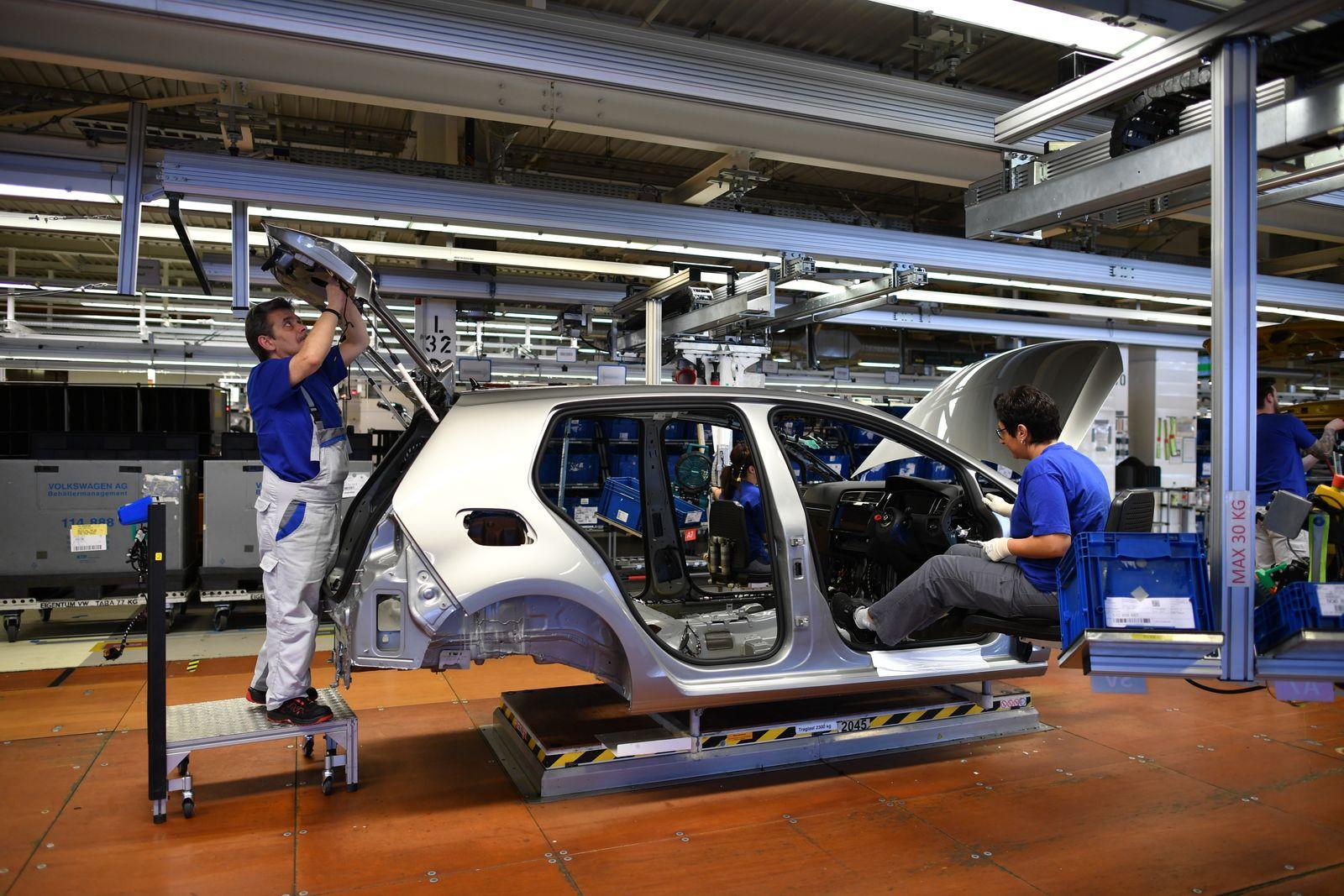 Trump Threatens EU With Tariffs On Cars